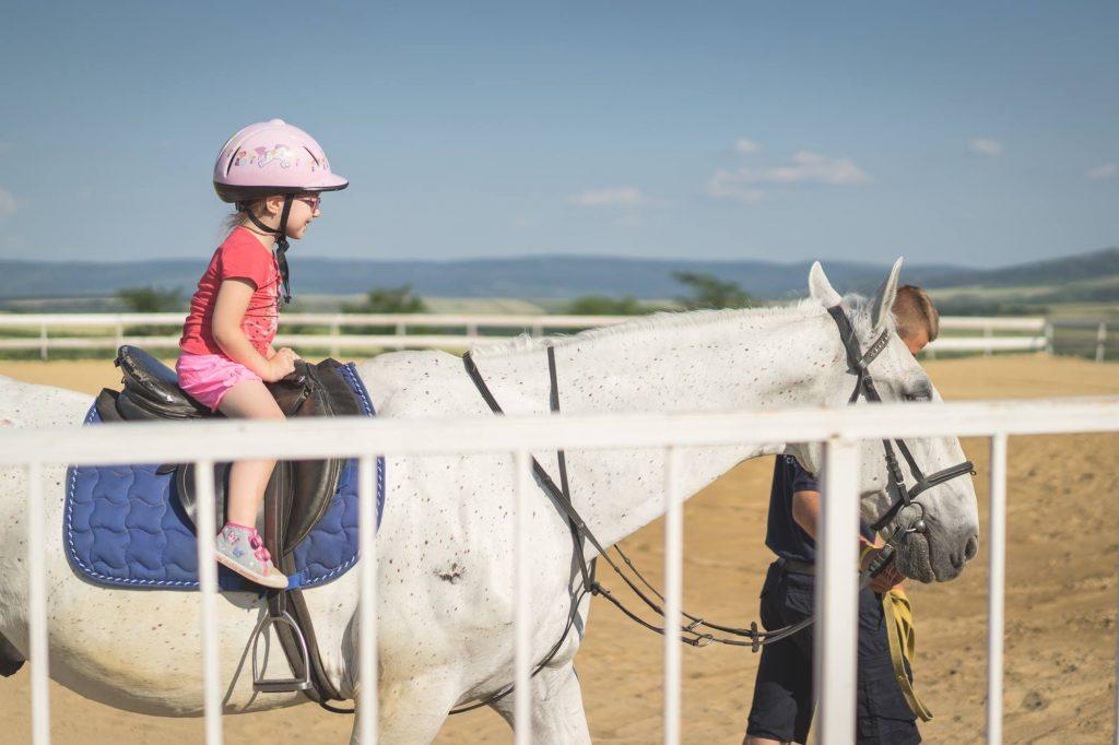 Equester Iasi - scoala de calarit pentru copii