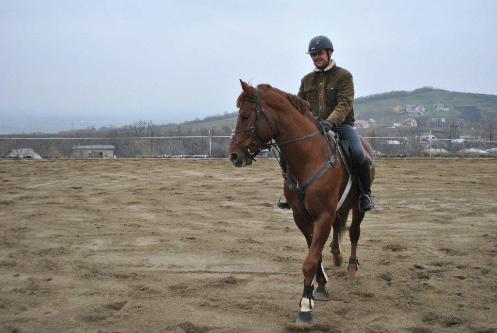Echitatie pentru adulti - Clubul sportiv Equester iasi